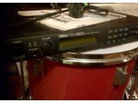 Yamaha RM50 Drum module - 6 triggers - classic / retro sounds