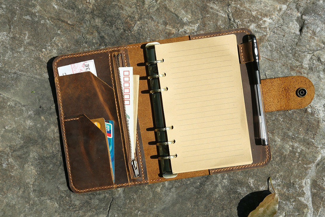 Refillable vintage leather travel organizer notebook / A6 ri