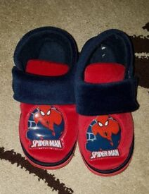 Boys Spiderman Slippers size 10