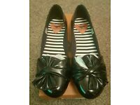 Rocket dog shoes size 6