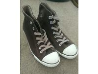 CONVERSE ALL STAR CHUCK TAYLOR LADIES MID TOP SUEDE UK6
