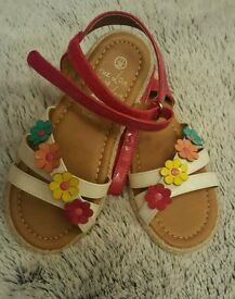 BNWOT girls sandals