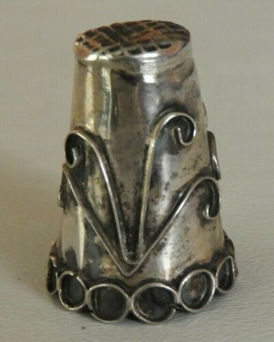 Vintage Taxco Mexico Sterling Silver Thimble Floral & Swirl Design #155