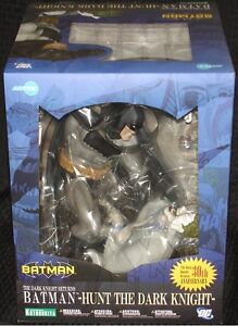 Batman vs Joker Statue | eBay
