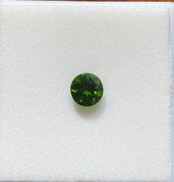 Chrome Diopside 6mm 0.75ct Round gemstone