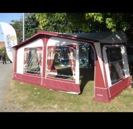 Full size Burgandy caravan awing