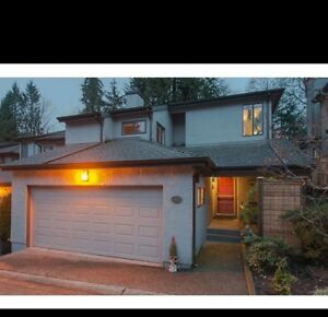 Amazing Townhouse Duplex Style in North Vancouver this One wont