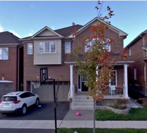 【Stouffville】Fabulous 6 Year New Upgraded Spacious Detached Home