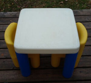 Little Tikes Table and 2 Chairs for babies or toddlers