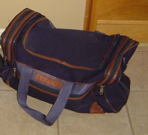 Heavy duty navy blue duffle travel bag carrying bag London Ontario image 1