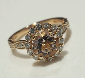 18kt Lady's Rose Gold Morganite & Diamond Ring!
