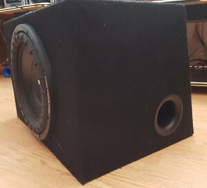 """12"""" Sub woofer 1600 Watts w/Insulated Box and 300W Pioneer Amp London Ontario image 2"""