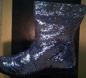 BNIB Designer Joan Boyce Sequin Women Winter Boots fur Sz 8 $100 West Island Greater Montréal image 1