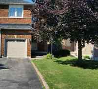 Semi-Detach Home for Rent - Move in NOW !!