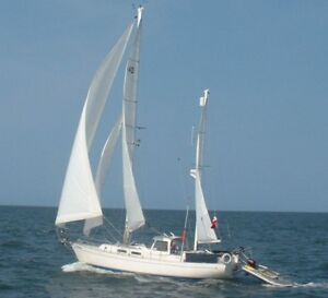 Hughes 40 Sailboat For Sale