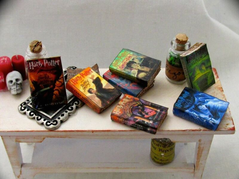 7 HARRY POTTER Miniature Books Dollhouse 1:12 Scale PROP Faux Books Magic