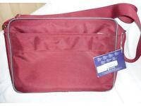 BNWT UNISEX RED Cross Body MESSENGER LapTop Padded BAG