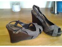 Next wedge shoe size 6