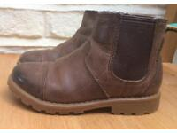 Clarks boots size 6.5