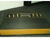 Atari 2600 woody vintage.