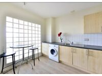 PERFECT location Bethnal Green E2 ¦ 30 sec's from Stn ¦ large 1 bed ¦ wooden floor&sash windows