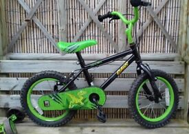 """Kids 14"""" apollo claws bike from Halfords"""