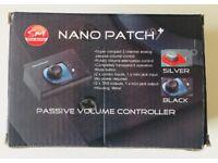 SM PRO AUDIO NANO PATCH PLUS - PASSIVE VOLUME CONTROLLER - BLUE AND BLACK