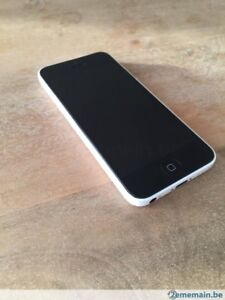 Iphone 5c blanc tres cleaN. Vente rapide !