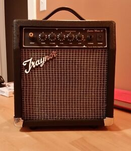 Practice Guitar amp. Traynor 8 inch speaker 1/4 inch inputs
