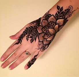 Experienced henna and makeup artist (cheap and dark color guaranteed)