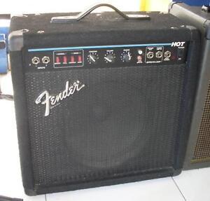 AUBAINE Amplificateur de guitare FENDER HOT made in U.S.A 1 x 10