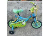 Kids beautiful poppy first bike suitable for aged 2-5 years with stabilers. £ 18