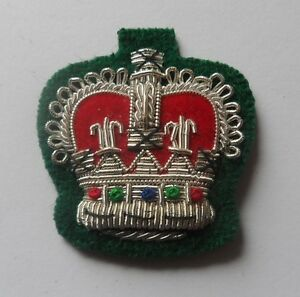 Staff-Sergeant-Crown-Mess-Dress-Army-Silver-on-Rifle-Green-Crowns-Military