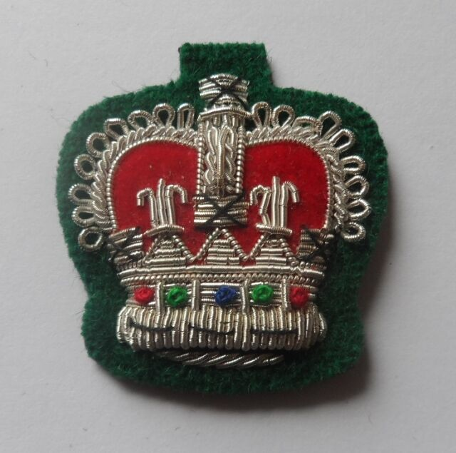 Staff Sergeant Crown, Mess Dress, Army, Silver on Rifle Green, Crowns, Military
