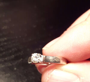 Wedding ring with matching band and mans wedding patterned band. Peterborough Peterborough Area image 2