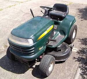 """Craftsman LT1000 ride on mower with 42"""" deck Redcliffe Redcliffe Area Preview"""