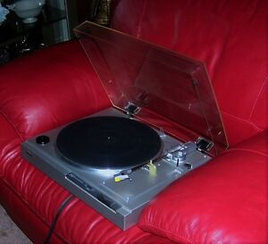 SONY PS-LX 210 TURNTABLE (DIRECT DRIVE)