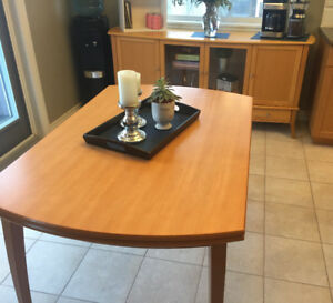 Extendable table & side table