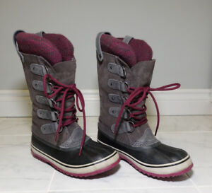 Sorel 'Joan of Arctic' Winter Boots - Women's Size 6