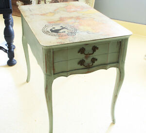 SIDE TABLE, END TABLE, NIGHT TABLE, REFINISHED, SHABBY CHIC