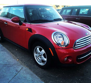 2011 Mini Cooper- leather package, heated seats & winter tire