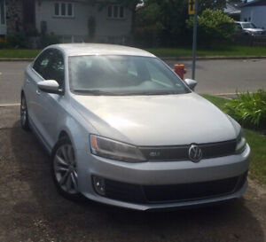 2012 Volkswagen GLI/Jetta 2L turbo 200 HP Sedan