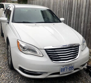 2014 Chrysler 200 Touring 4dr. Excellent condition.