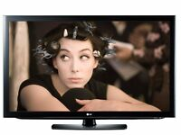 """LG 32"""" INCH (INTERNET) HD 1080p LCD TV WITH BUILT IN FREEVIEW AND NETCAST™, 3 x HDMI and USB ."""