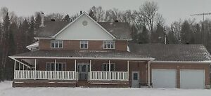 4 BDR HOME ON 9+ ACRES JUST OFF HWY 17 IN RUTHERGLEN