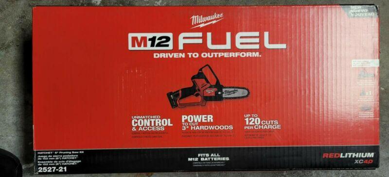 "NEW - Milwaukee 2527-21 M12 FUEL HATCHET 6"" Brushless Cordless Pruning Saw Kit"