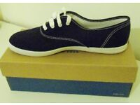 Keds Champion 2K CVO Deck Shoes. Black with White. Size 8 1/2