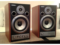 EDIROL MA-20D (Roland) professional studio speakers with integrated amplifier