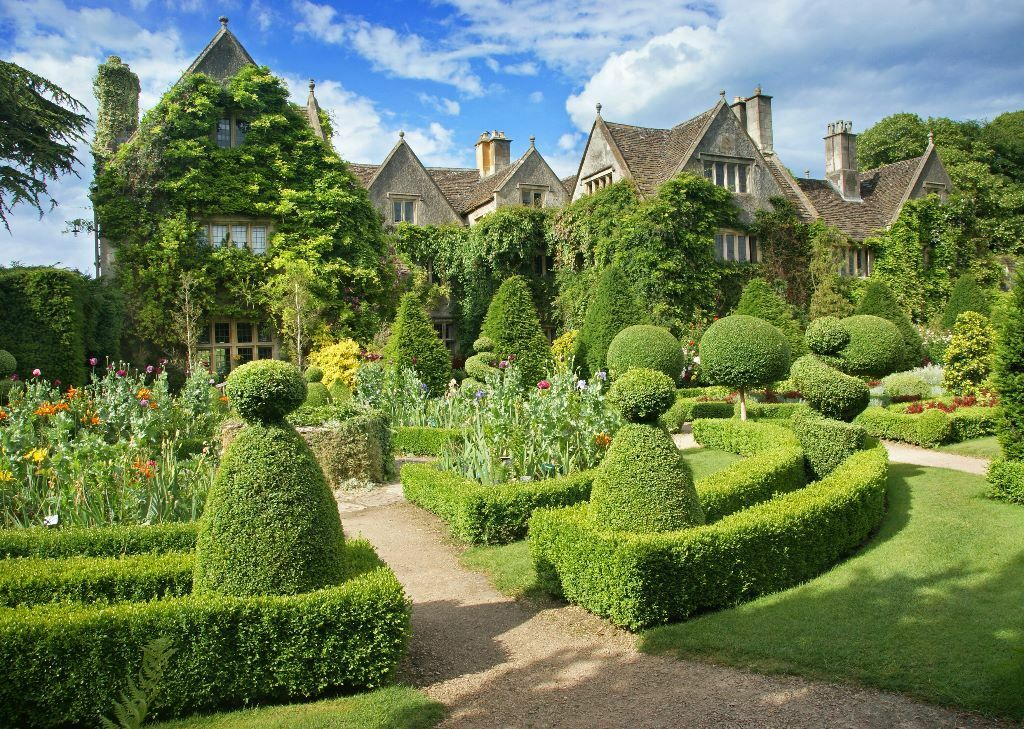 Gardener Wanted At World Famous Abbey House Gardens In