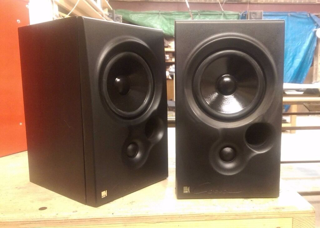 monitor replica c tube audio loudspeakers amplifier kef pair bookshelf speakers en p muzishare